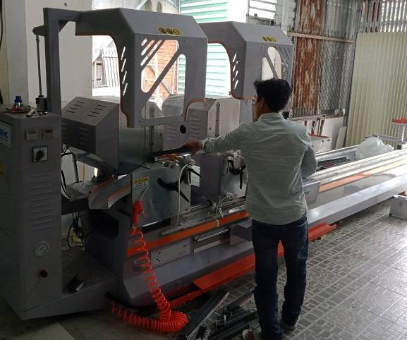 máy cắt nhôm 2 đầu công nghệ ý2