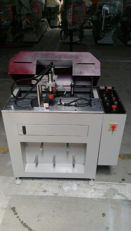 máy-phay-đố-2-cổ-bi-3kw